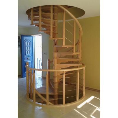 Escalera caracol a medida combinada madera e inox