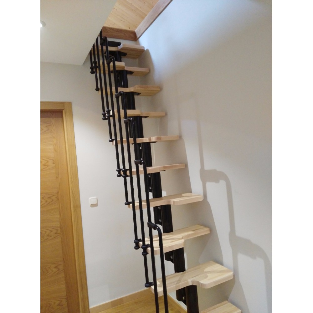 Escalera ahorra espacio modelo karina for Escaleras modernas para espacios pequenos